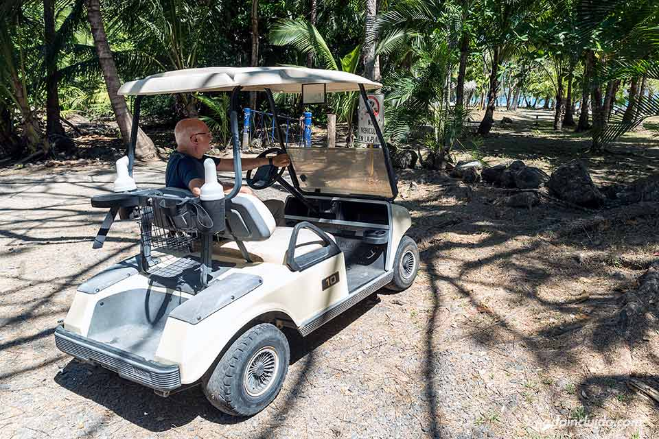 Carrito de golf en Tambor
