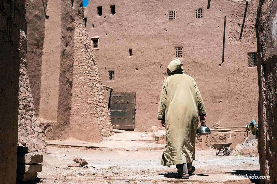 Marroquí en Ait Ben Haddou (Marruecos)
