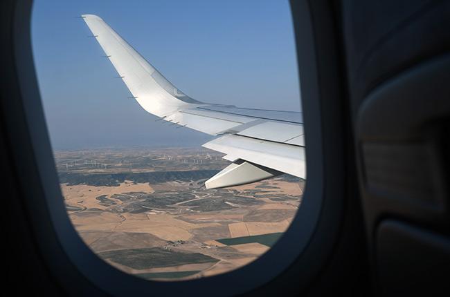 2a-Avión-wizzair-ventana