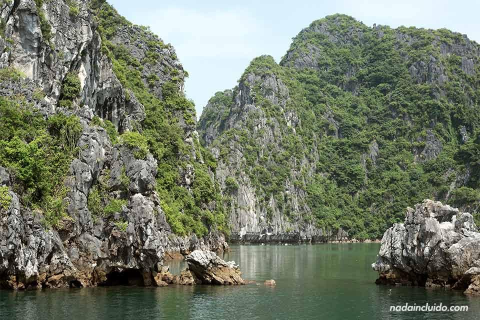 Rocas en la Bahía de Lan Ha (Vietnam)