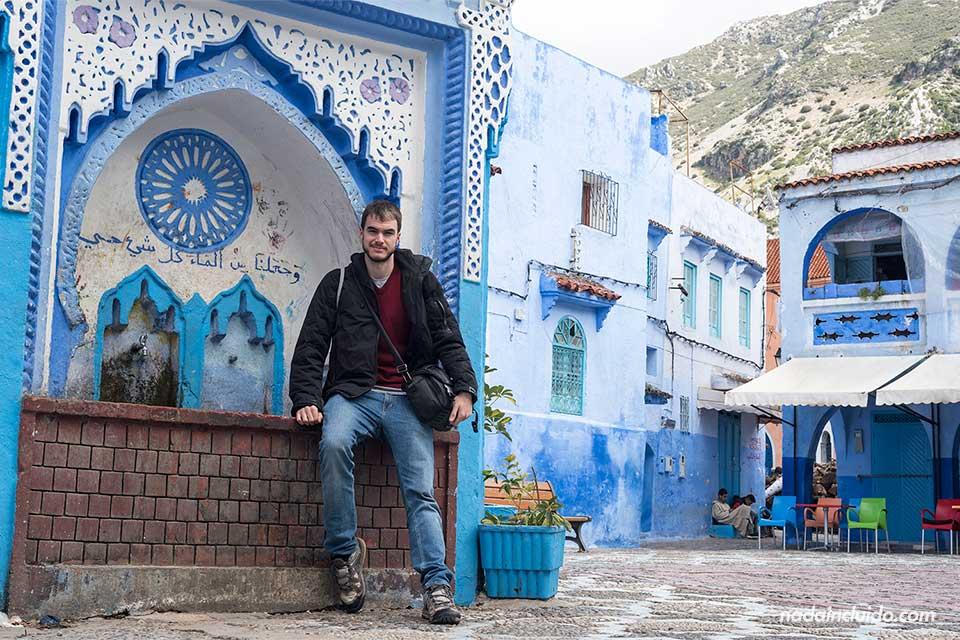 En la plaza El Haouta de la medina de Chefchaouen (Marruecos)