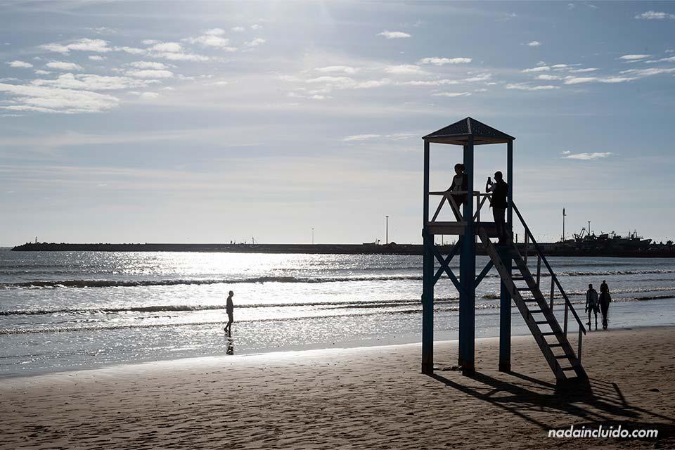 Puesto del socorrista en la playa de Essaouira (Marruecos)