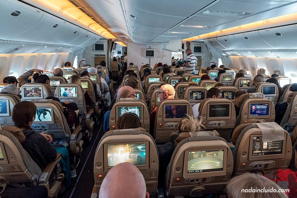 Avión de Etihad Airways rumbo a Bangkok (Tailandia)