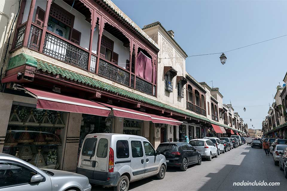 Calle Bou Ksissat en el barrio judío de Fez (Marruecos)