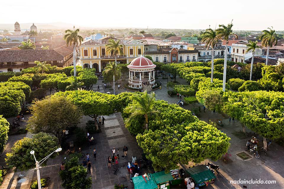 Vista desde lo alto del Parque Central de Granada (Nicaragua)