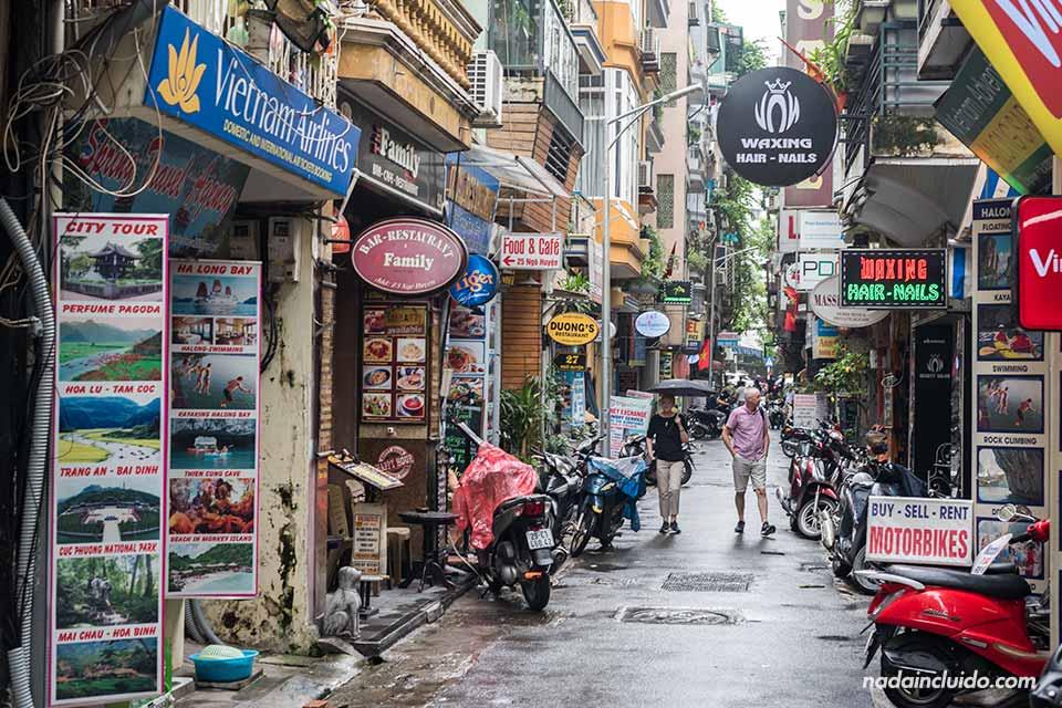 Calle Ngõ Huyện en Hanoi (Vietnam)