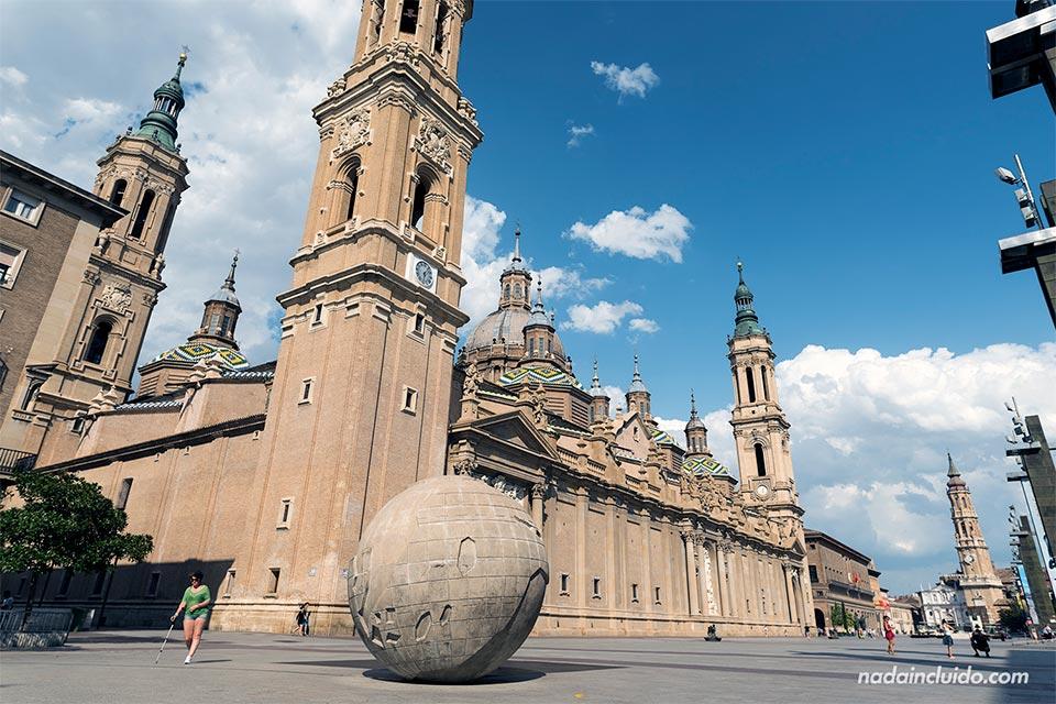 Plaza del Pilar de Zaragoza un día de verano en 2019