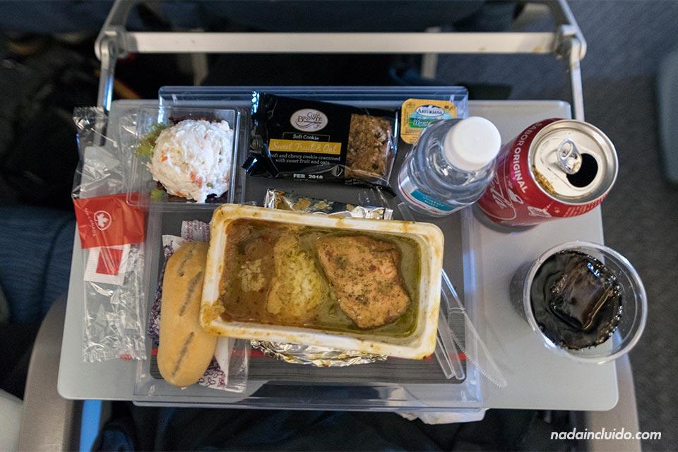 Comida en un avión de Air Canada