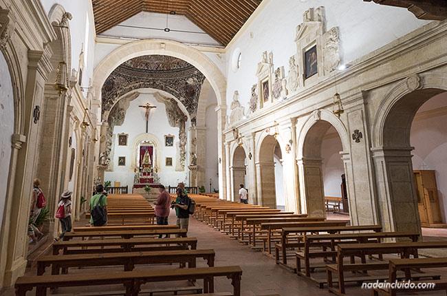 Interior de la iglesia del Carmen de Alhama de Granada