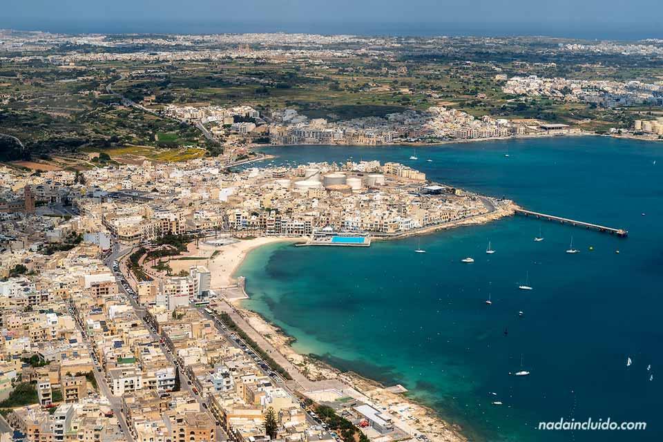 Vista de Malta desde un avión de Ryanair