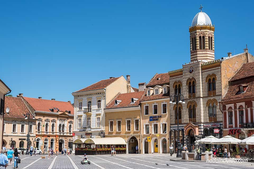 Plaza del ayuntamiento (Piața Sfatului) en Brasov (Rumanía)