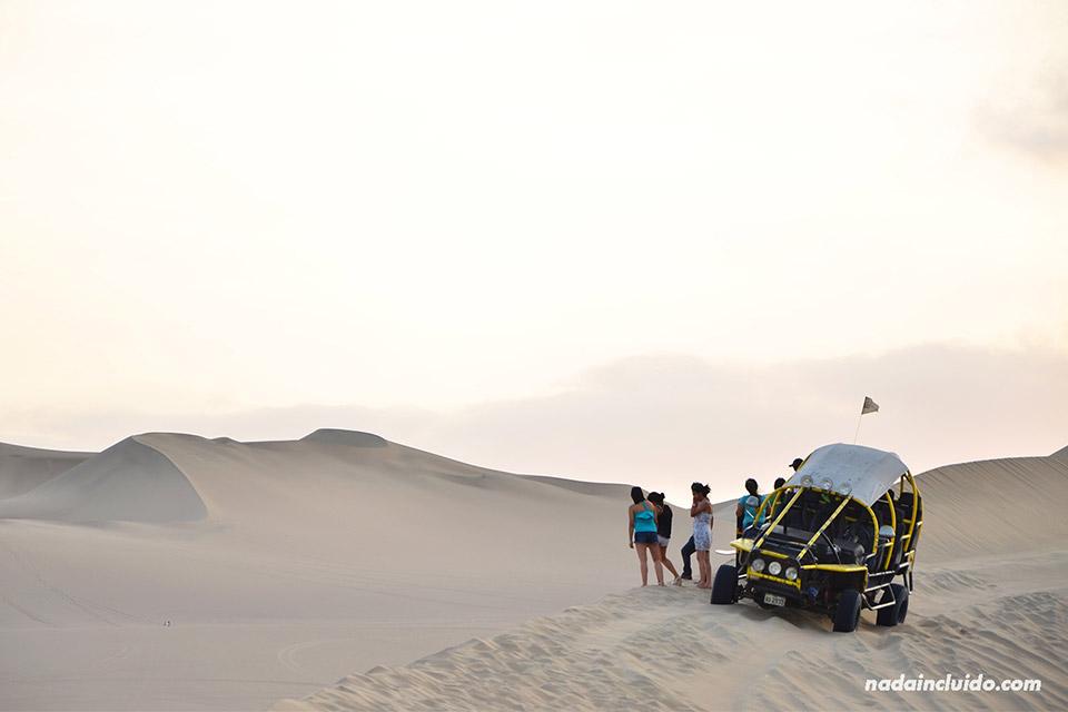Tour de Buggies en el desierto de Ica (Perú)