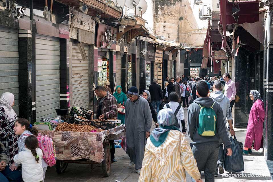 Calle del Mellah de Fez, el barrio judío (Marruecos)