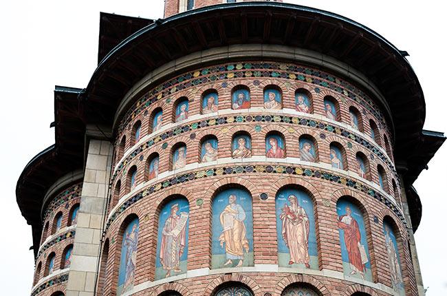 Fachada de una iglesia de Iasi (Rumanía)