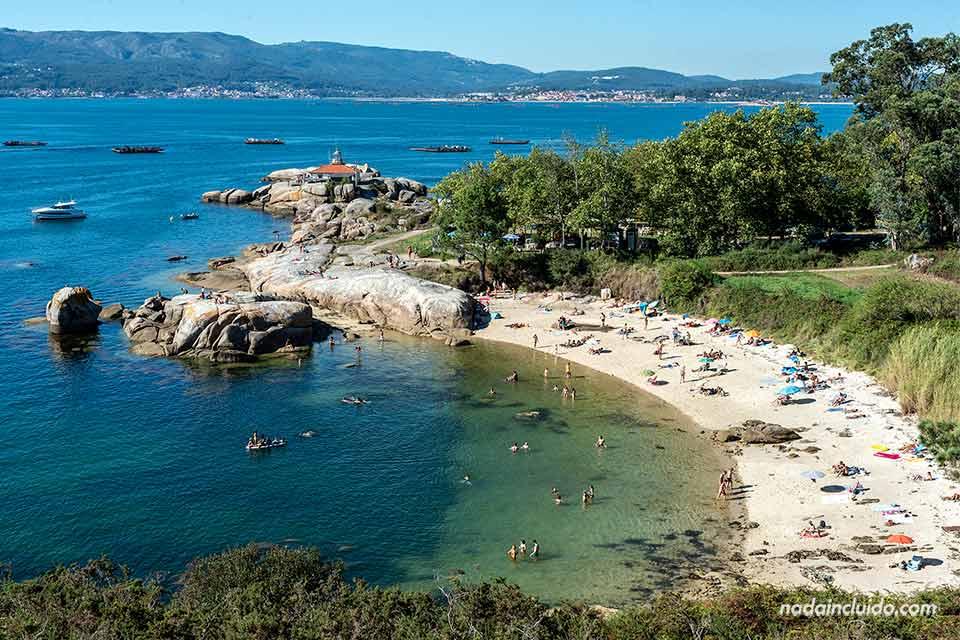 Playa Sualaxe en illa de Arousa (Galicia)