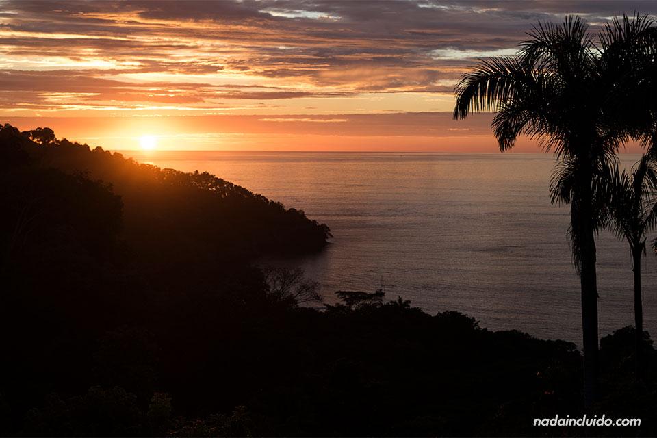Atardecer en Manuel Antonio (Costa Rica)