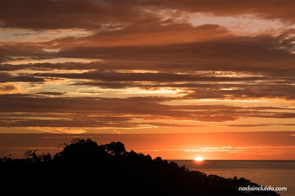 Puesta de sol en Manuel Antonio (Costa Rica)