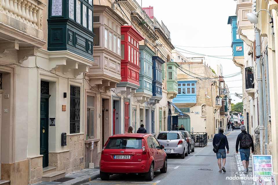 Paseando por la calle de Sant Paul, Rabat (Malta)