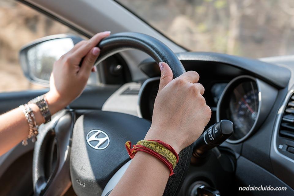 Conduciendo un coche alquilado en Costa Rica