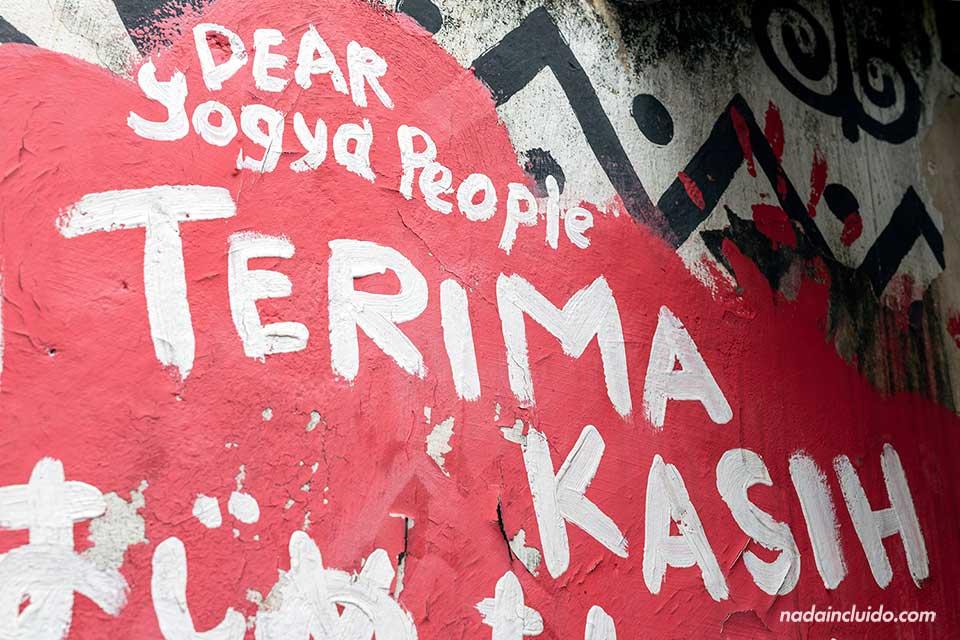 Grafiti de Terima Kashi (gracias) en Yogyakarta (Java, Indonesia)
