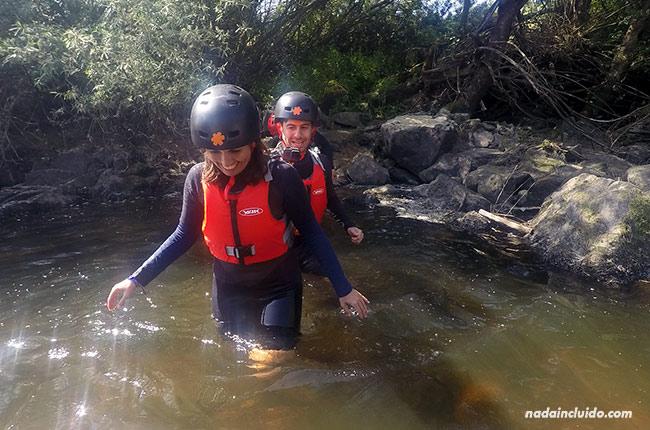 Andando por un río con la empresa Azenhas da Seda (Alentejo, Portugal)