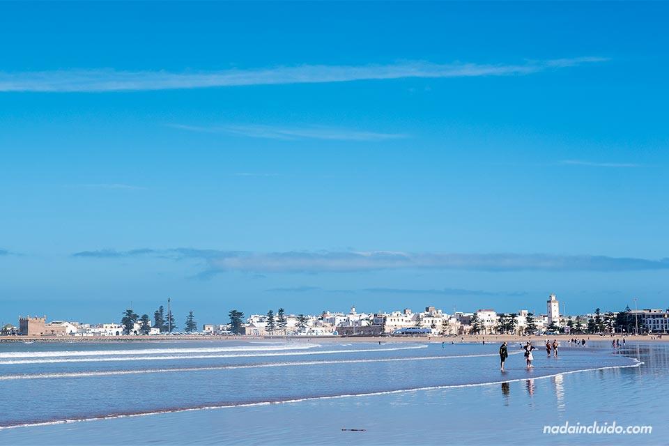 Vista de la medina desde la playa de Essaouira (Marruecos)