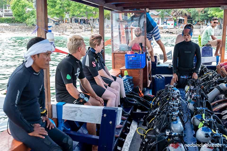 Barco de buceo del Manta Dive Gili Air (Indonesia)
