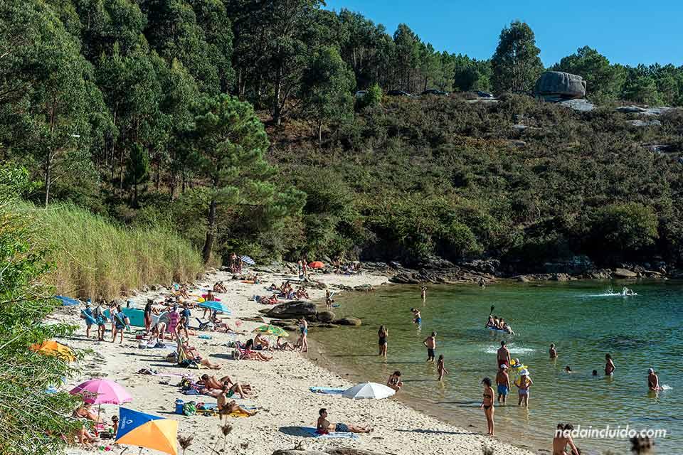 Playa Área Da Secada en illa de Arousa (Galicia)