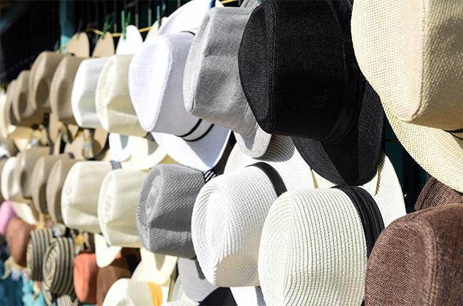 Puesto de venta de sombreros en San Juan del Sur (Nicaragua)
