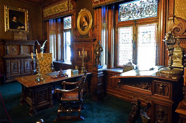 Despacho en el Castillo de Peles (Rumanía)