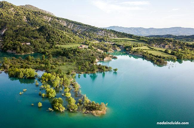 El embalse de Mediano a vista de dron (Sobrarbe, Aragón)