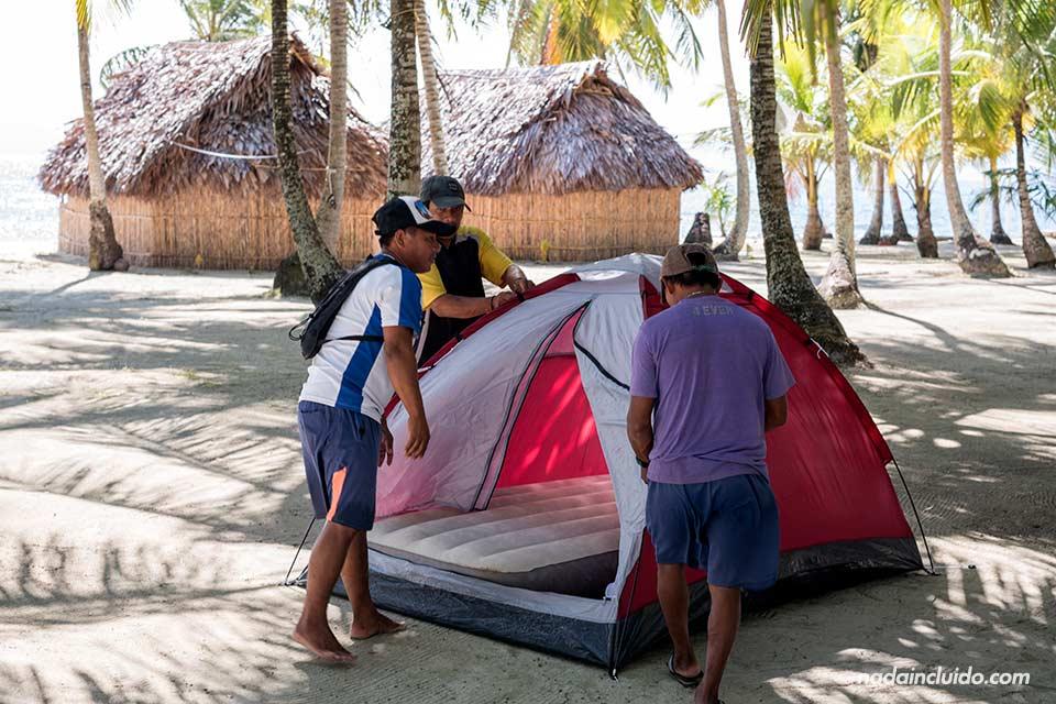 Tienda de campaña en la isla Perro Chico, mi habitación en el archipiélago de San Blas (Panamá)