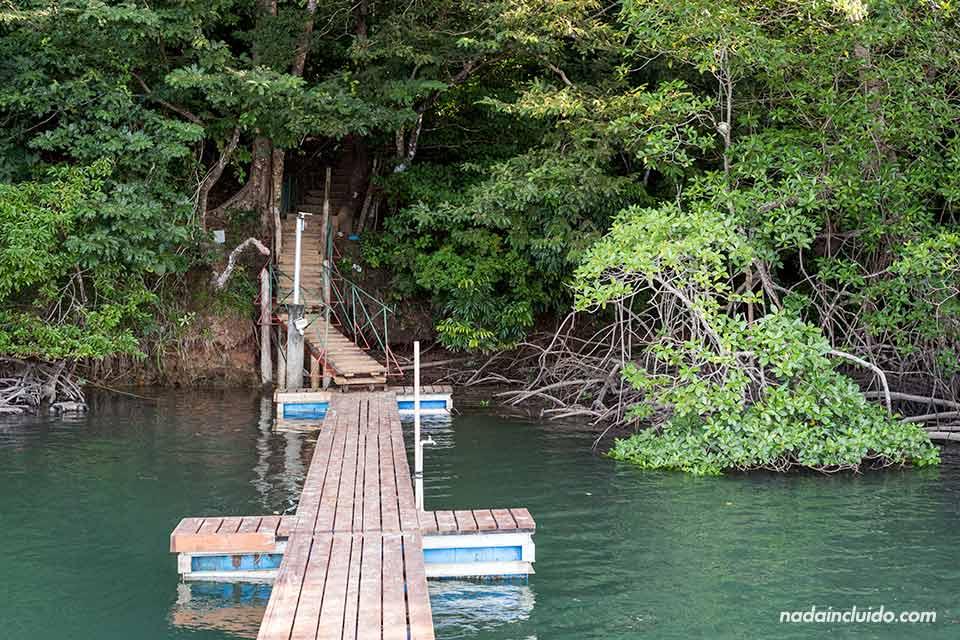 Muelle de Boca Brava, una de las islas del golfo de Chiriqui (Panamá)