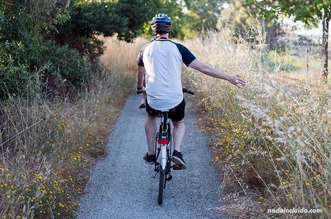 Ruta en bici por la Vía Verde de Chipiona (Cádiz)