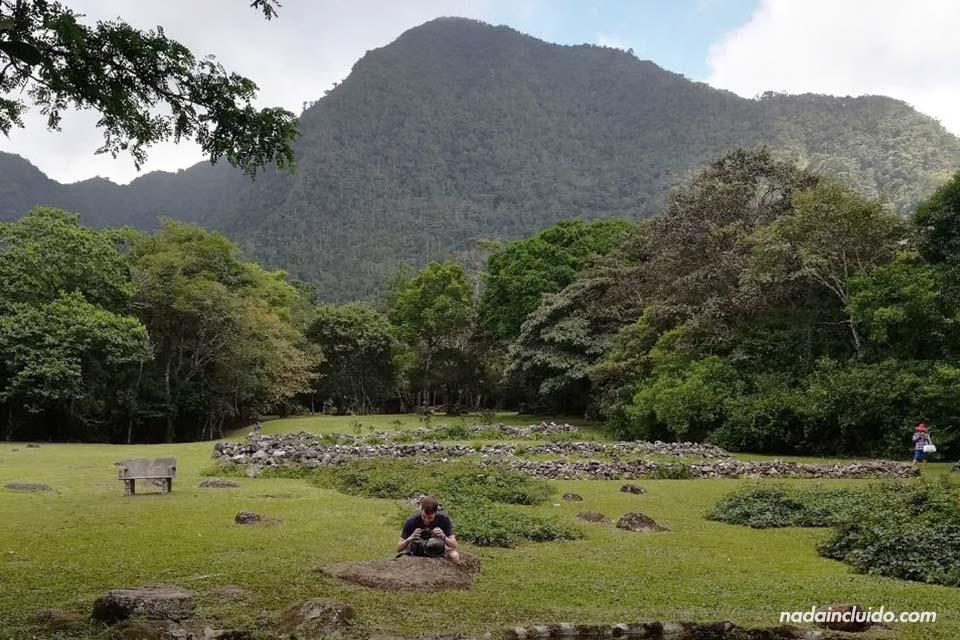 Haciendo una foto en el Nispero zoo del Valle de Antón (Panamá)