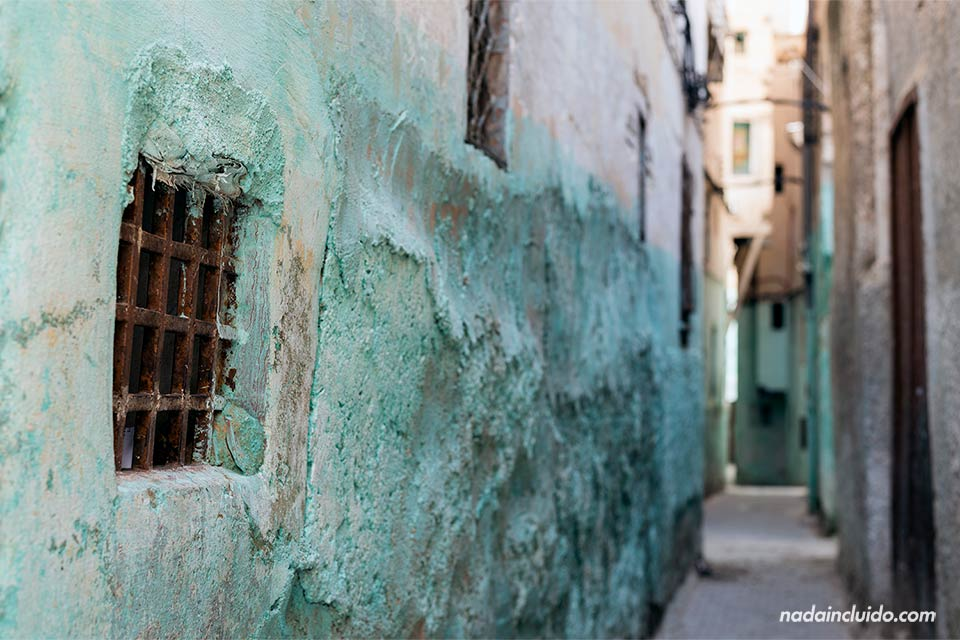 Callejón en el Mellah de Fez (Marruecos)