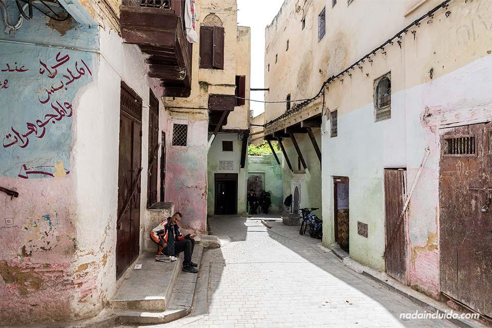 Entrada a una sinagoga del Mellah de Fez (Marruecos)