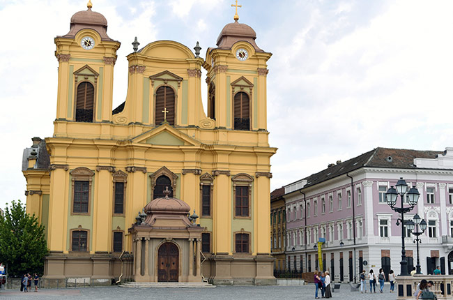 Iglesia católica en la Piata Unirii de Timisoara (Rumanía)