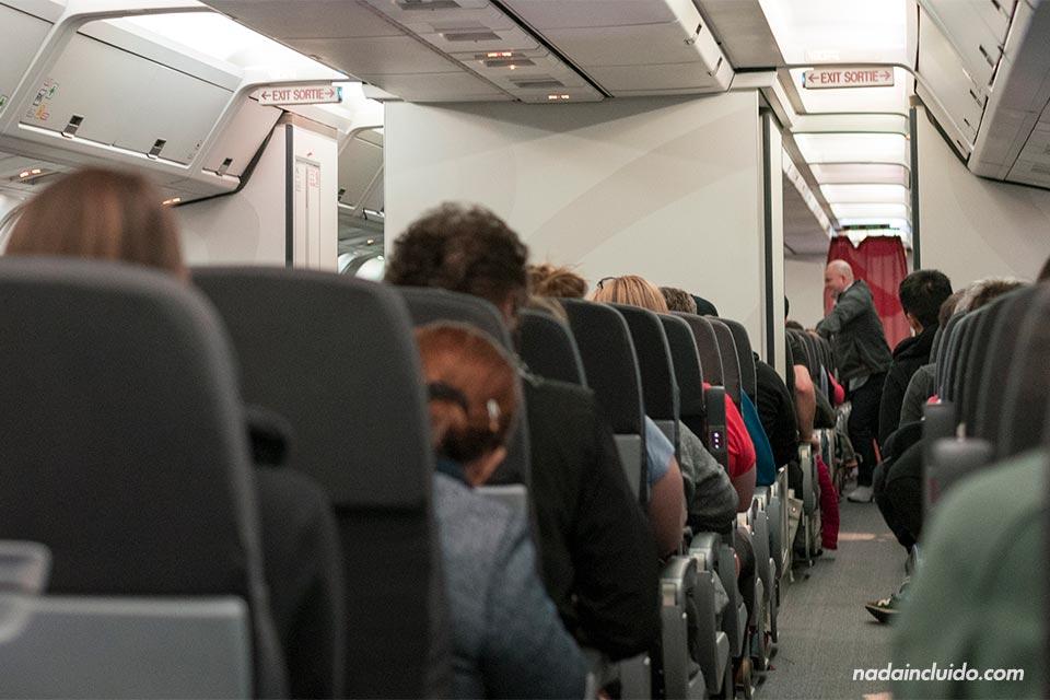 Avión de Air Canadá en la ruta Toronto - San José