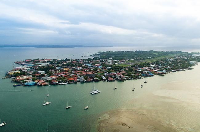Vista aérea de Bocas del Toro, Panamá (Foto de Wikipedia)