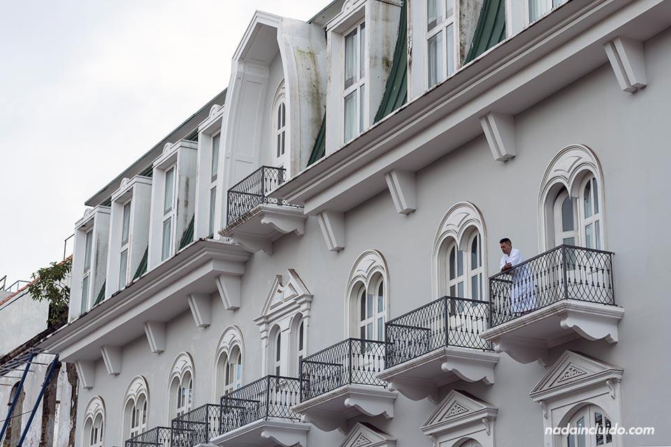 Central hotel en el casco antiguo de ciudad de Panamá