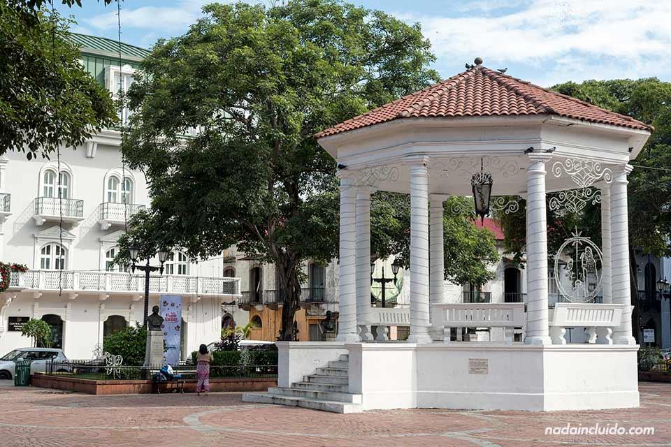 Plaza de la independencia del casco antiguo de ciudad de Panamá