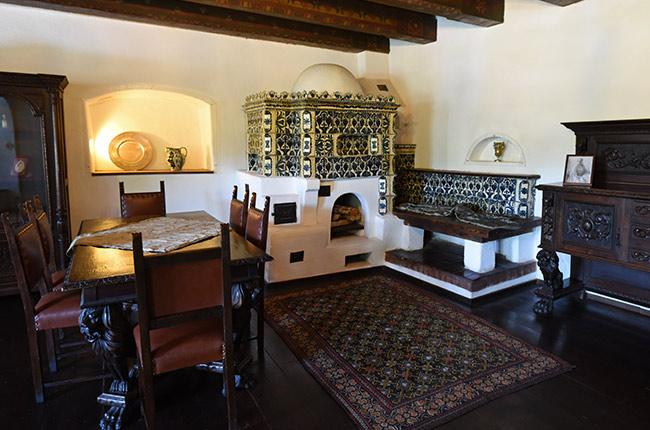 Sala de estar en el Castillo de Bran (Rumanía)