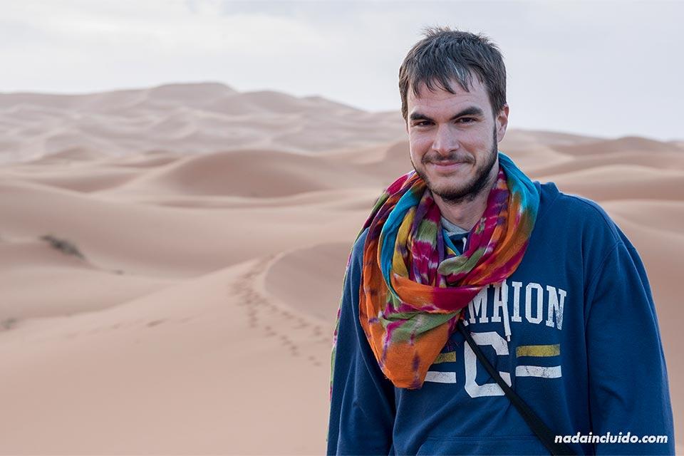 En el desierto del Sáhara al amanecer (Marruecos)
