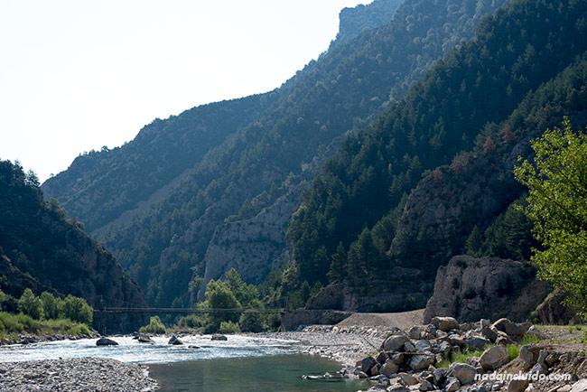 Río Ara junto a su paso por Jánovas, un pueblo abandonado del Sobrarbe (Aragón)