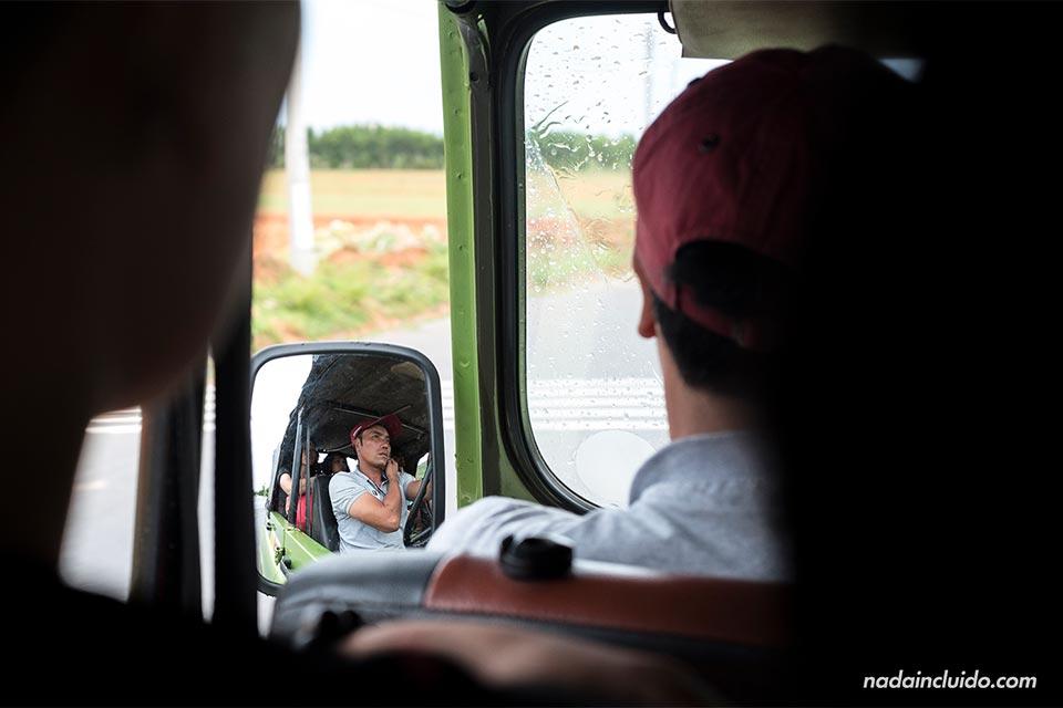 Conductor de jeep en Mui Ne (Vietnam)