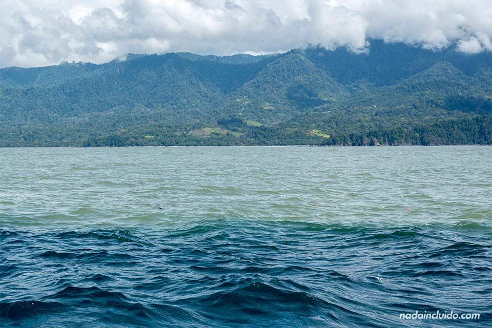 Corrientes en el mar del Parque Nacional Marino Ballena de Costa Rica