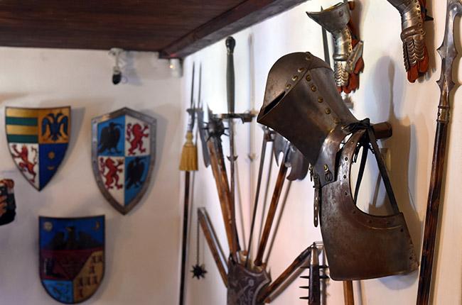 Cuarto de armas en el Castillo de Bran (Rumanía)