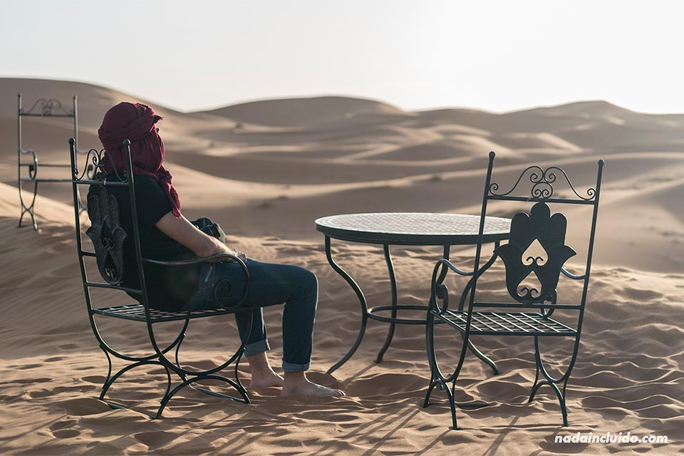 Mesita en el desierto del Sáhara (Marruecos)
