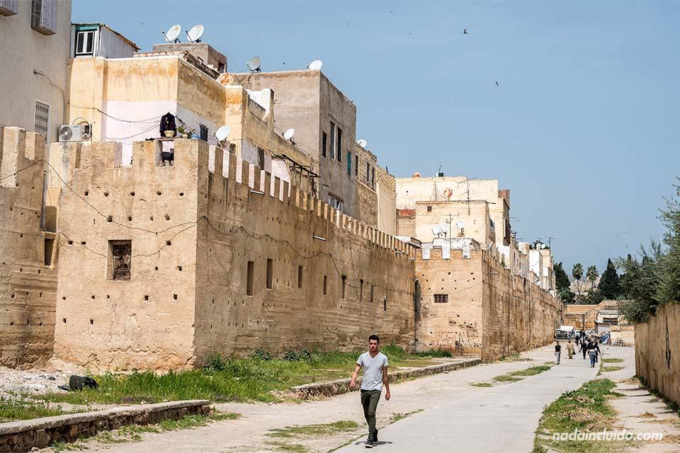 Murallas junto al barrio judío de Fez (Marruecos)